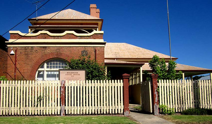 Holbrook courthouse, old Australian courthouses, early Australian courthouses