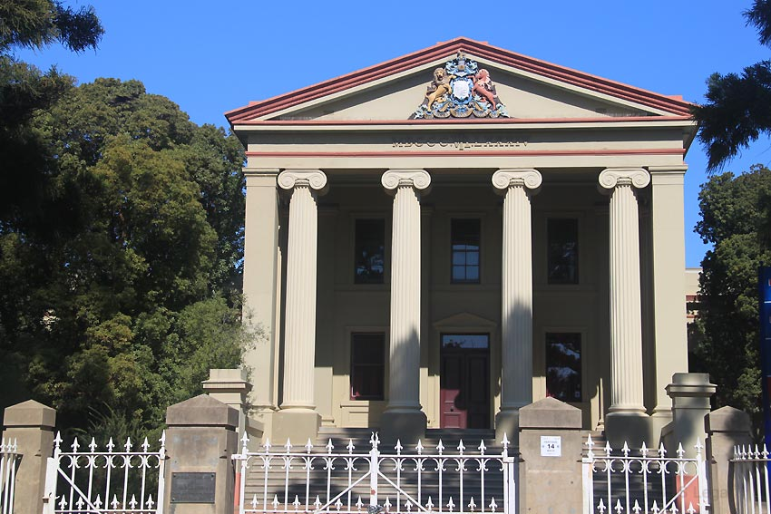 early Australian courthouses, old Australian courthouses, Young courthouse (former), James Barnet